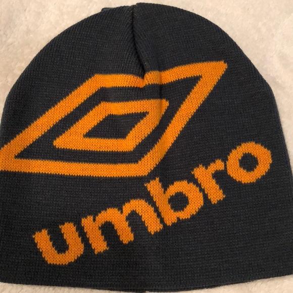 88911d1e74be Umbro men s logo beanie (gray orange) OS